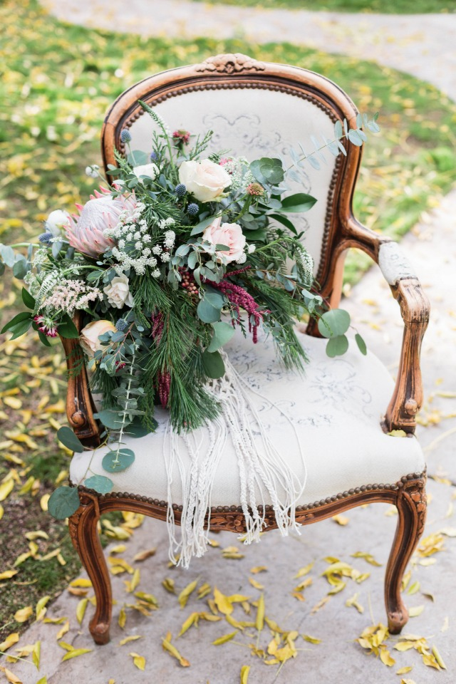King protea bouquet with macrame tie