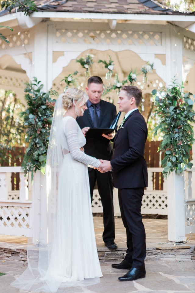 Pretty and romantic gazebo ceremony