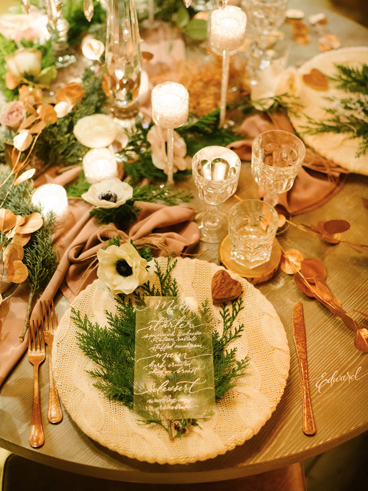 gorgeous and romantic winter wedding reception