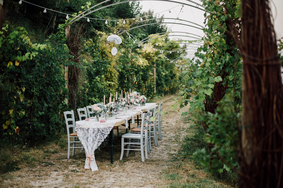 This Intimate Italy Wedding Has The Most Darling Getaway Car
