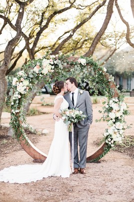 Romanticly Sun Kissed Garden Wedding Ideas In Texas