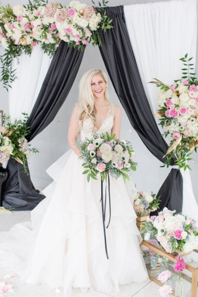modern style bride and black and white decor