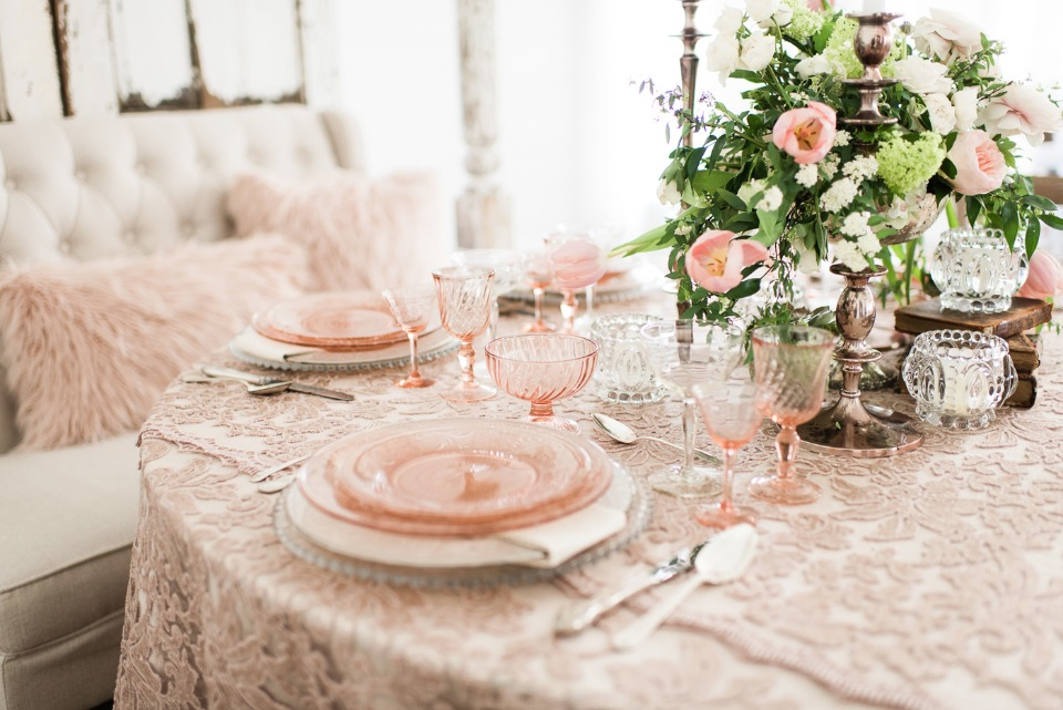 romantic blush and rose gold table decor