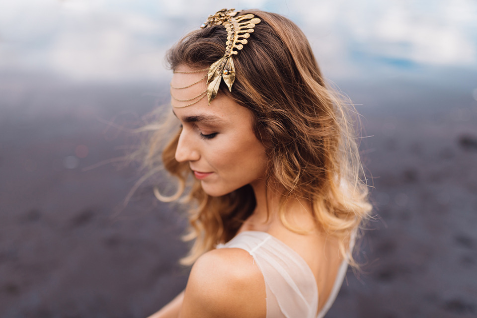 gold nature inspired wedding hairpiece