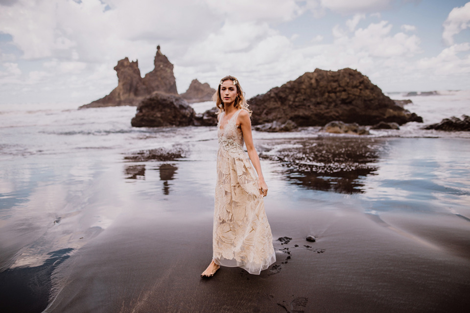 beautiful beach bridal photography