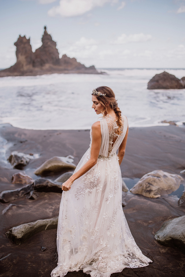 flowing lace wedding dress