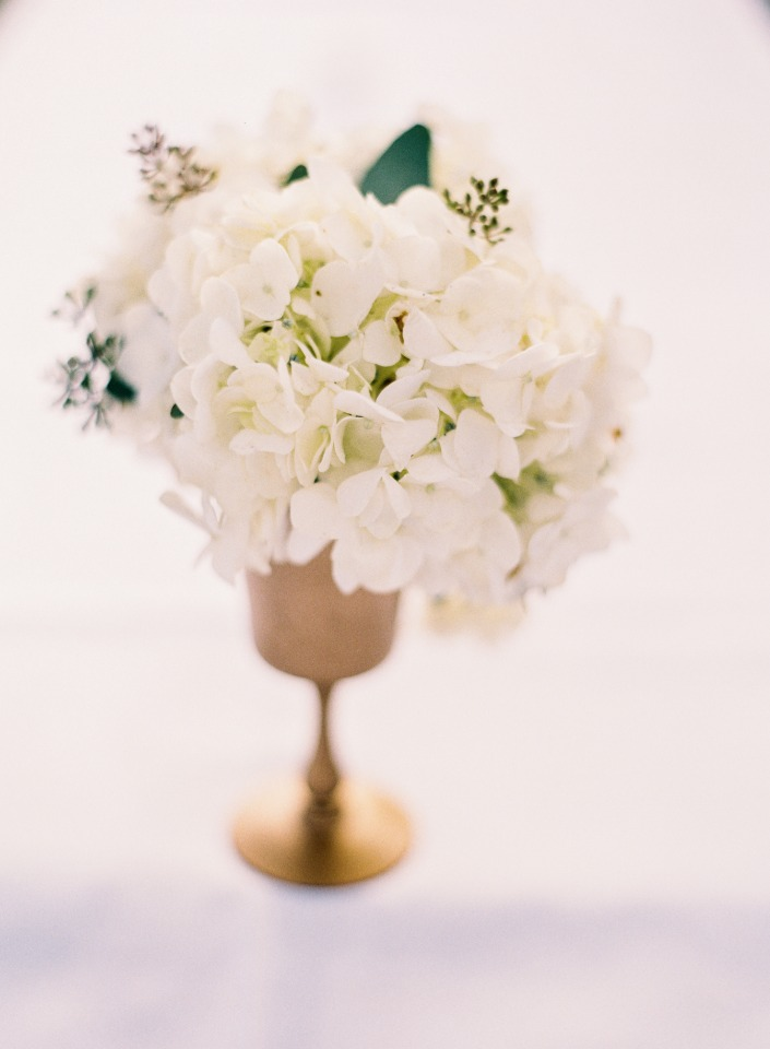 Pretty table floral arrangement