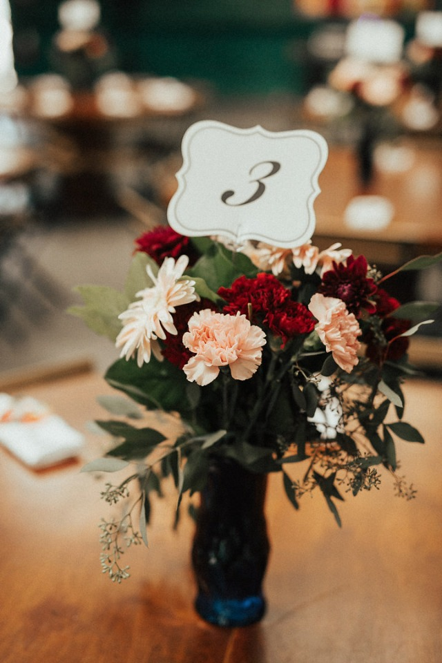 floral table number and centerpiece