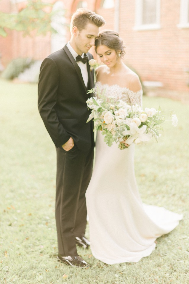 Dreamy couple at this elegant vintage shoot