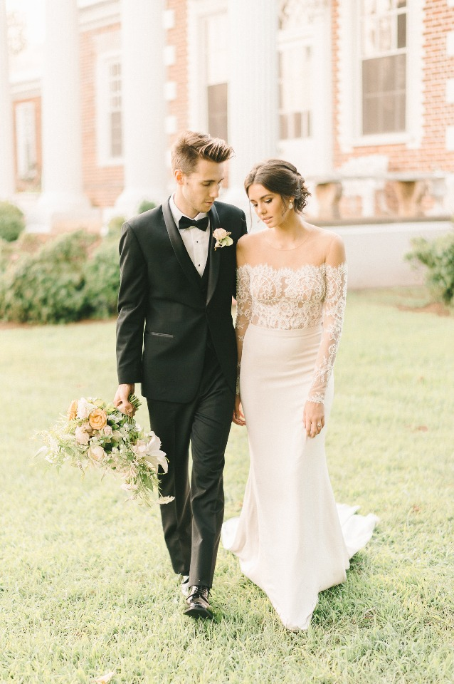 Love her lace top gown