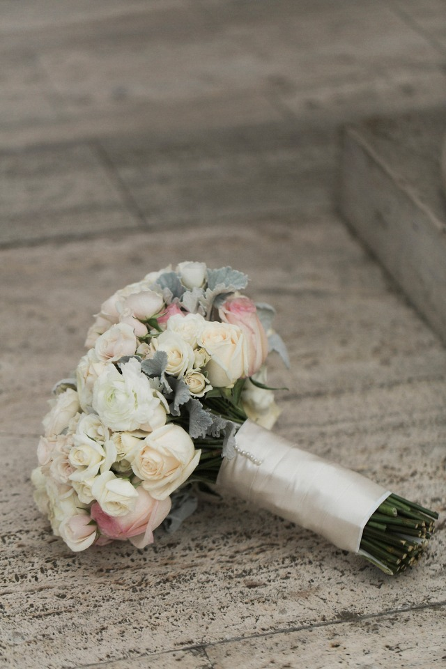 classic white and blush wedding bouquet