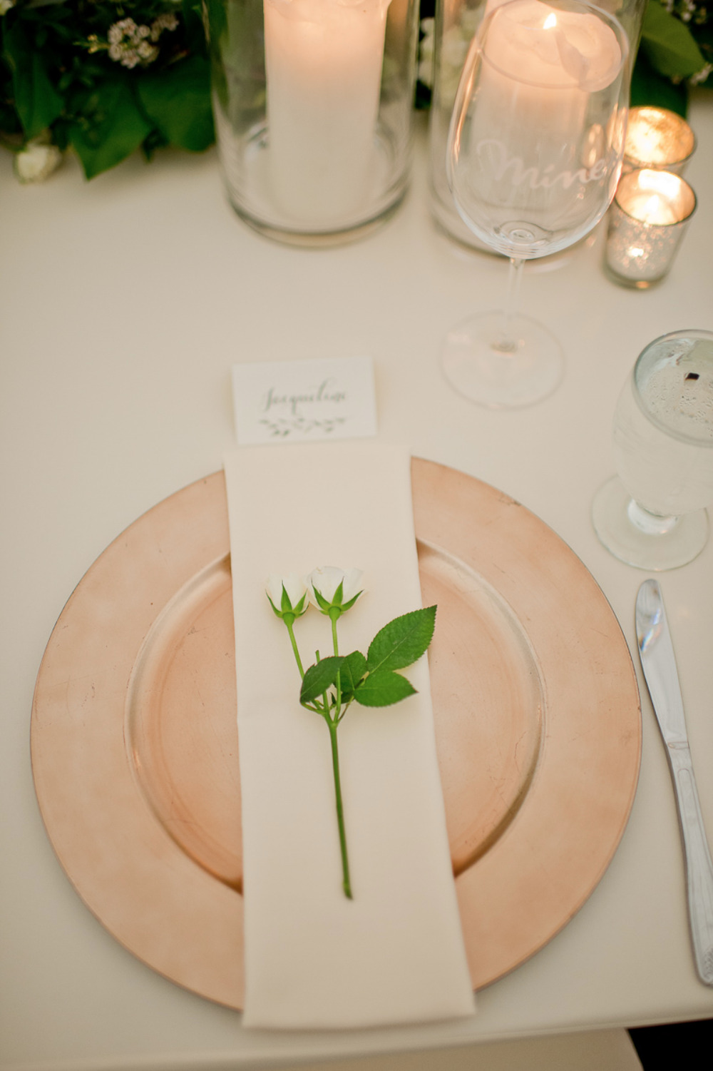 chic simple place setting