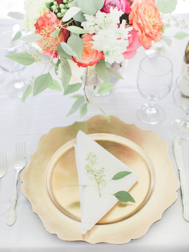 Pretty gold charger place setting
