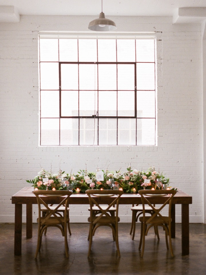 Natural modern table scape