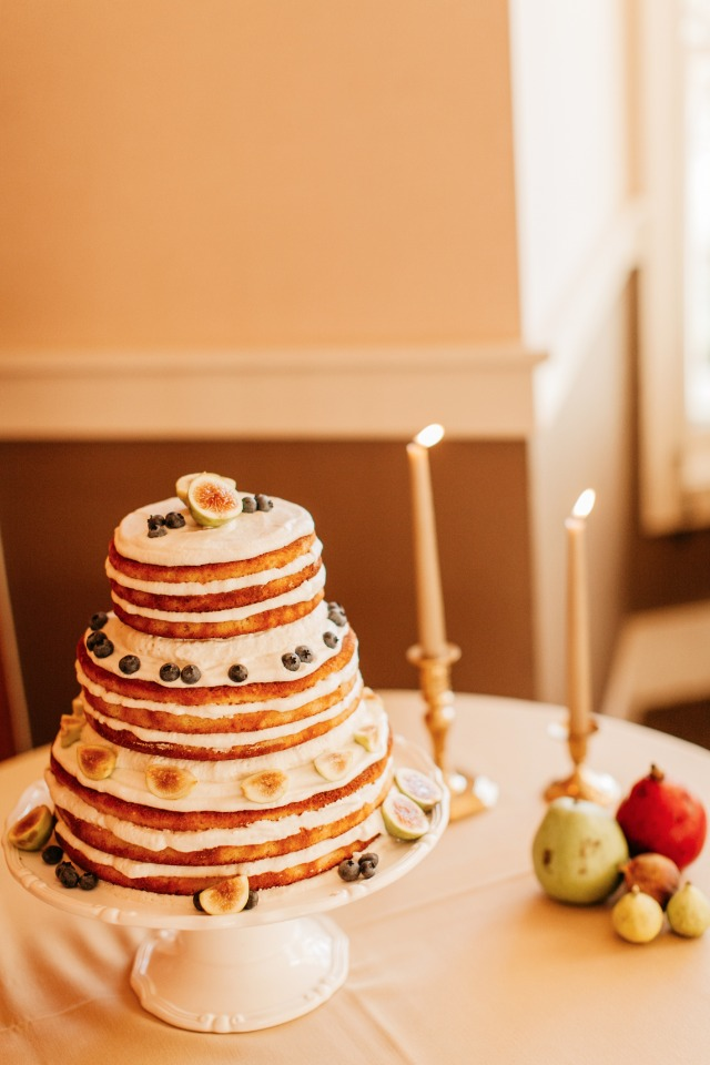 naked cake with fresh blueberries and figs