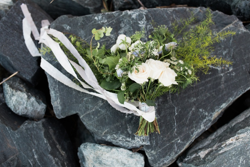 Pretty bouquet on the rocks