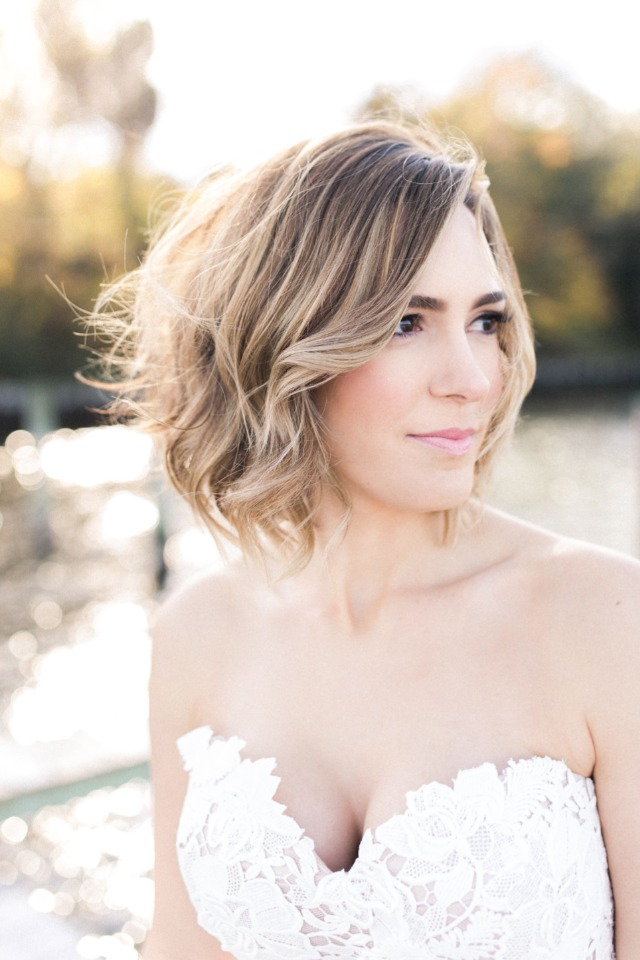 Beachy wedding hair and natural wedding makeup