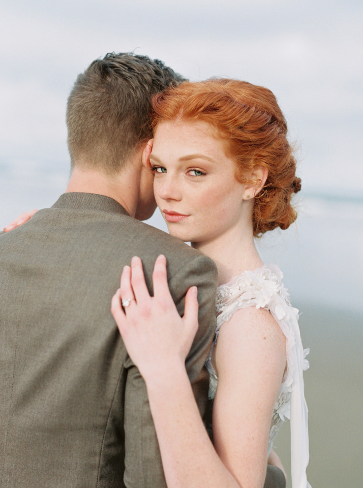 wedding photography pose ideas for bride and groom