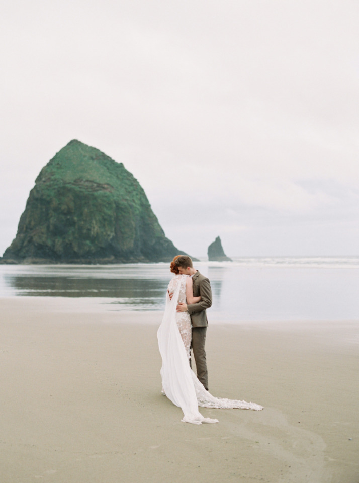 posing ideas for bride and groom