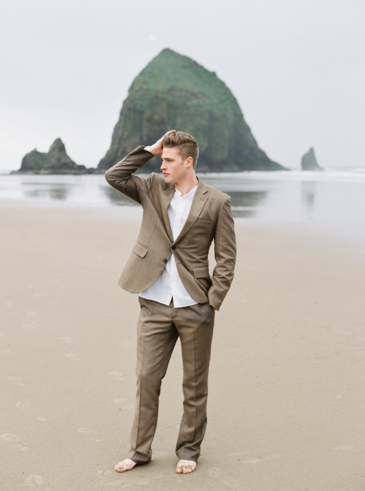 Beach wedding look for the groom from Duchess Clothier