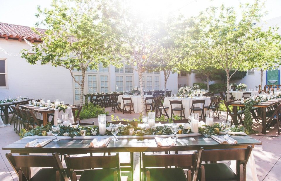 Sunny and elegant reception in Vegas