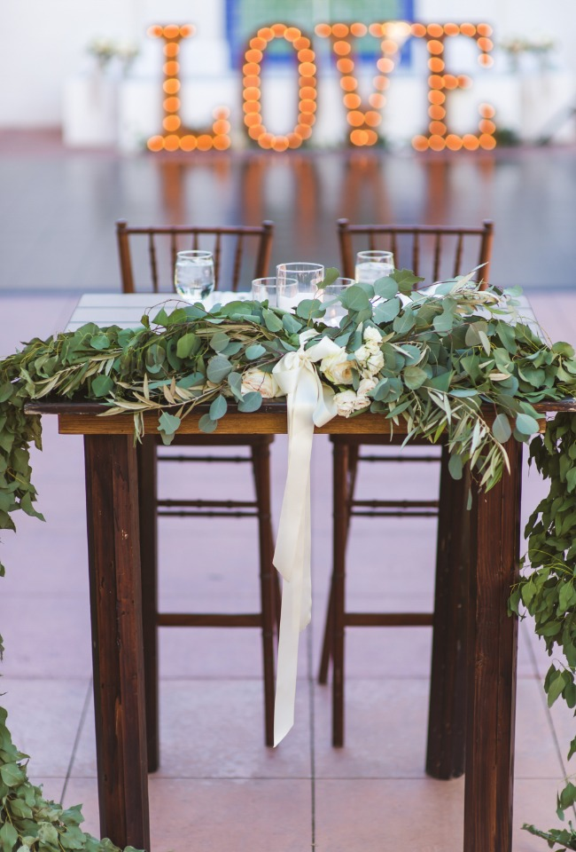 Pretty sweetheart table for two