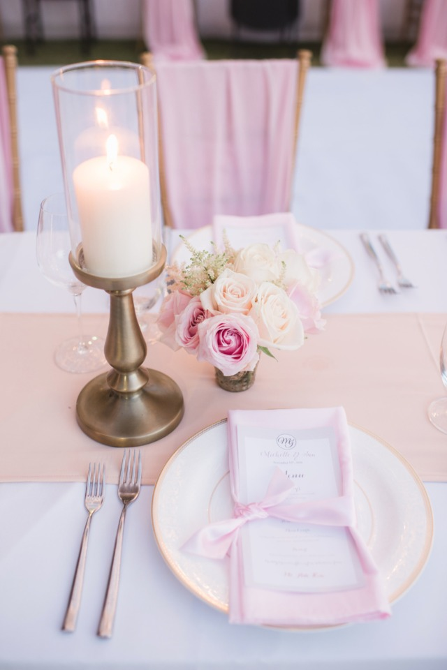 Simply elegant table decor