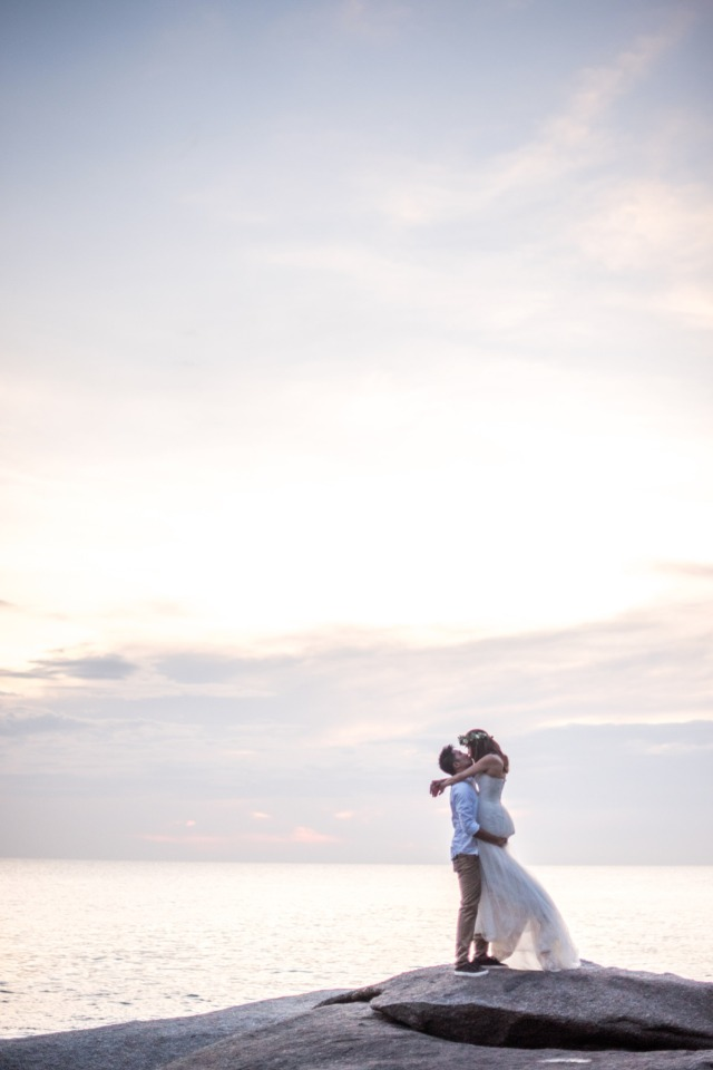 Get married in Thailand like these two