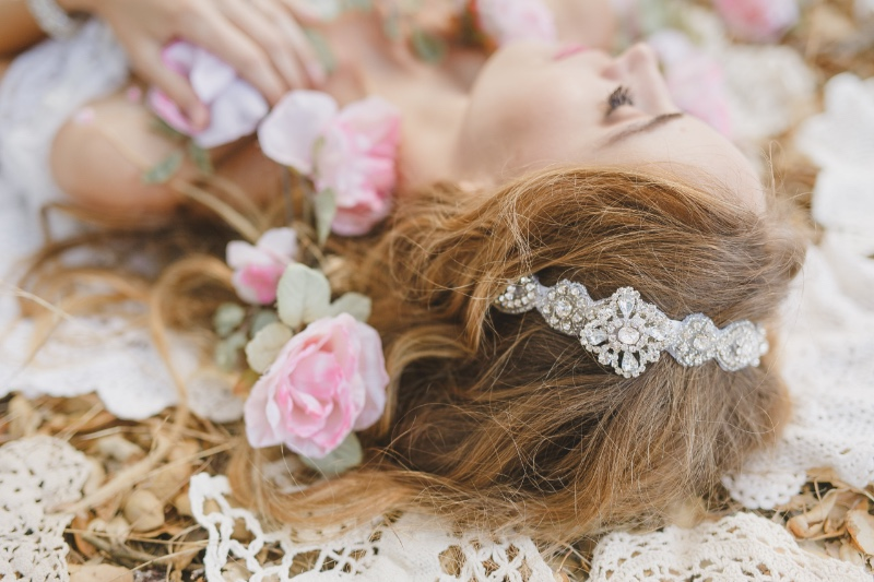 Find your dream bridal hair accessory designed with rhinestone jewels at Cloe Noel.