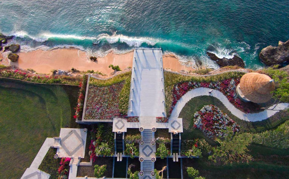 Ayana Resort and Spa Bali for destination weddings and honeymoons. Yes, please.