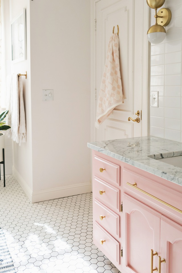 pink and gold glorious bathroom