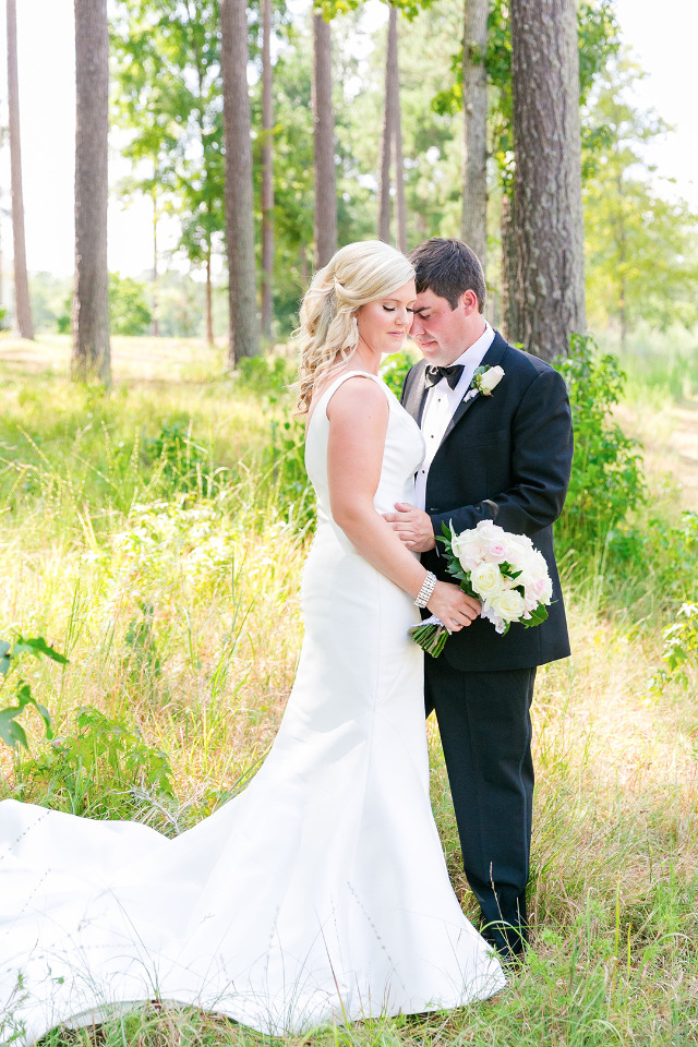 This Wedding Proves Roses And Golf Clubs Will Never Go Out Of Style