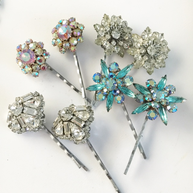 Perfect rhinestone bridal bobby pins for the vintage inspired bride.