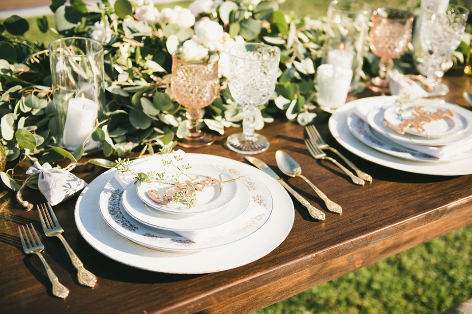 classic pretty wedding place setting