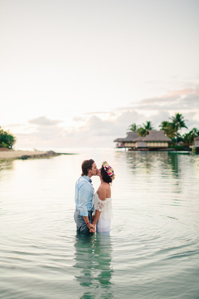 beach wedding in Tahiti