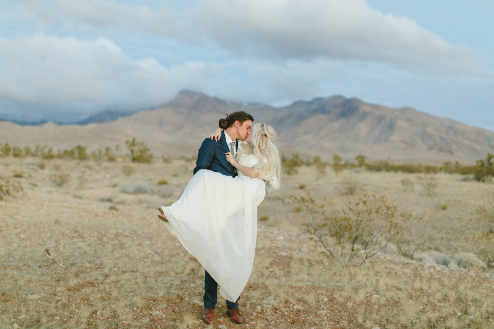 Desert boho romance wedding ideas