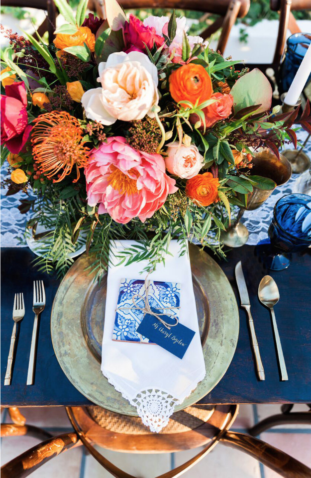 wedding place setting with tile favors