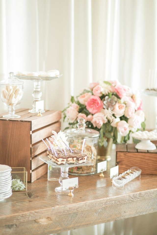 dessert table for your rustic chic wedding