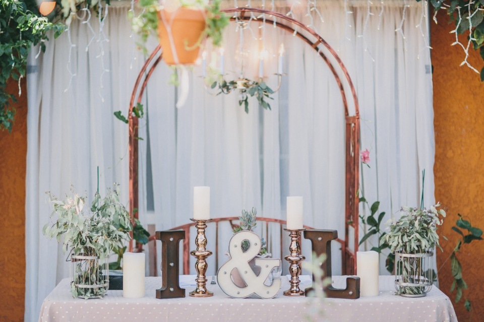Vintage boho sweetheart table