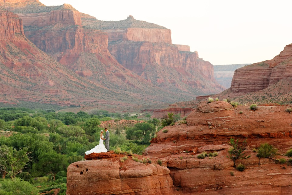 Get married on a mesa at Gateway Canyon Resort in Colorado