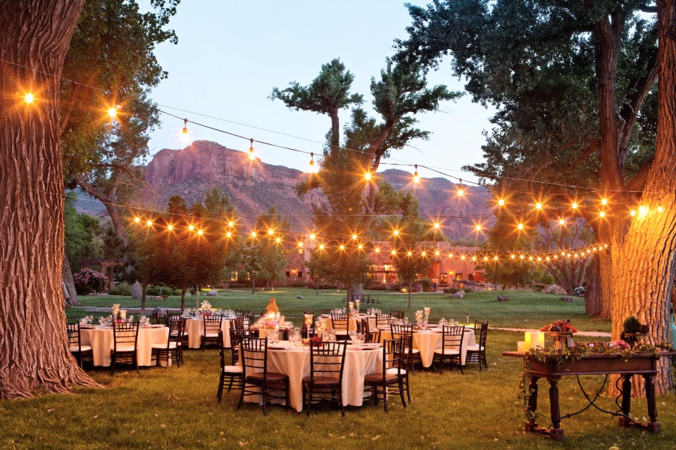 Beautiful outdoor reception at Gateway Canyons Resort in Colorado