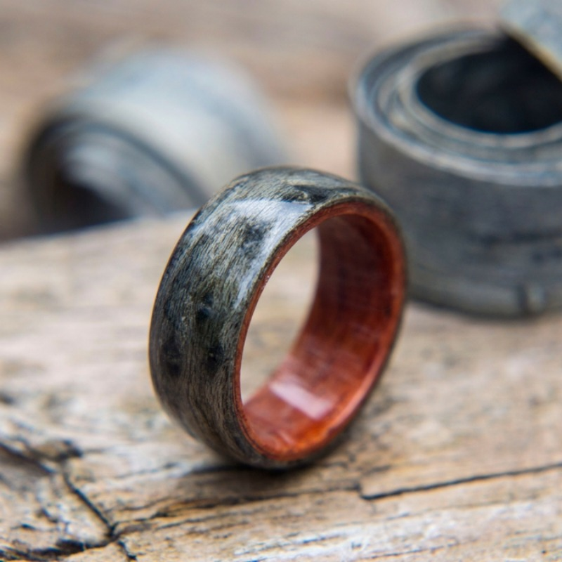 Mens handcrafted wood wedding ring. This bentwood ring is made out of grey birdseye maple nad tulipwood.