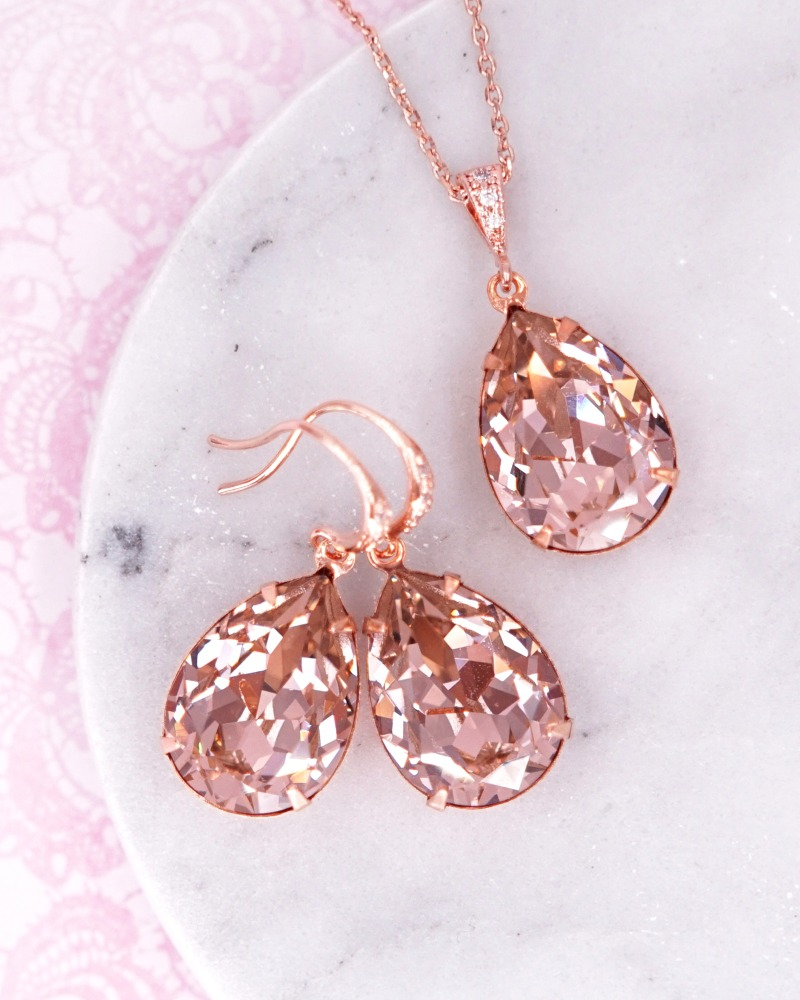 Swarovski crystal Rose Gold earrings. Simple teardrop earrings. Cubic Zirconia earrings. Bridal earrings. Bridesmaid earrings. Bridal
