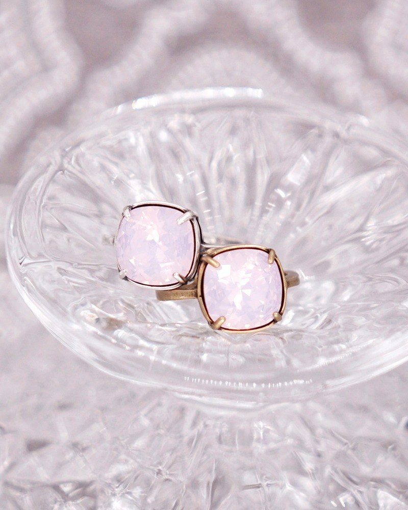 Rosewater Opal Crystal Cocktail Ring, simple and chic. Swarovski Crystal. Bridesmaid gifts, bridal rings, bff ring, wedding gifts for