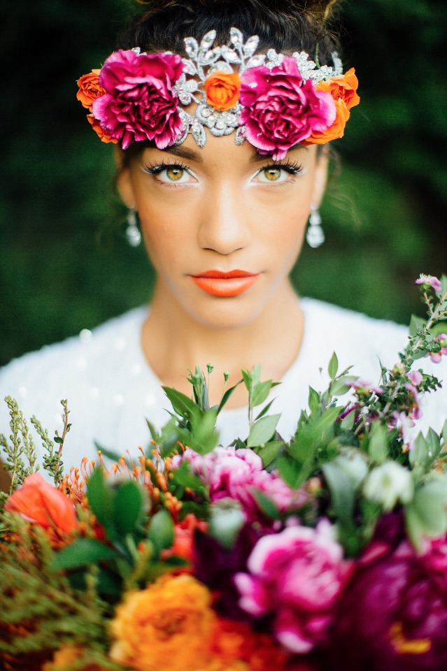 Frida inspired wedding in vibrant colors