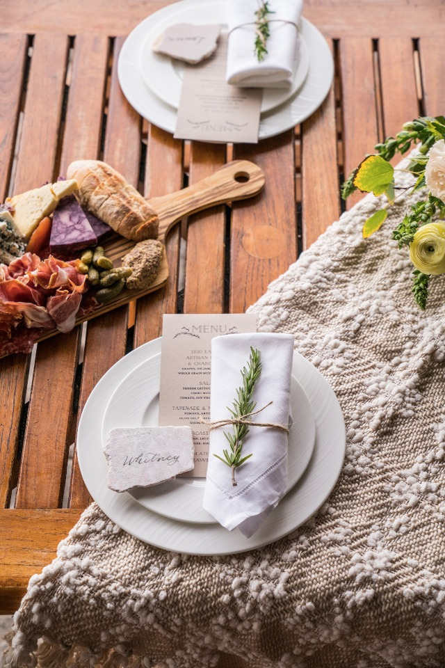 natural place setting details