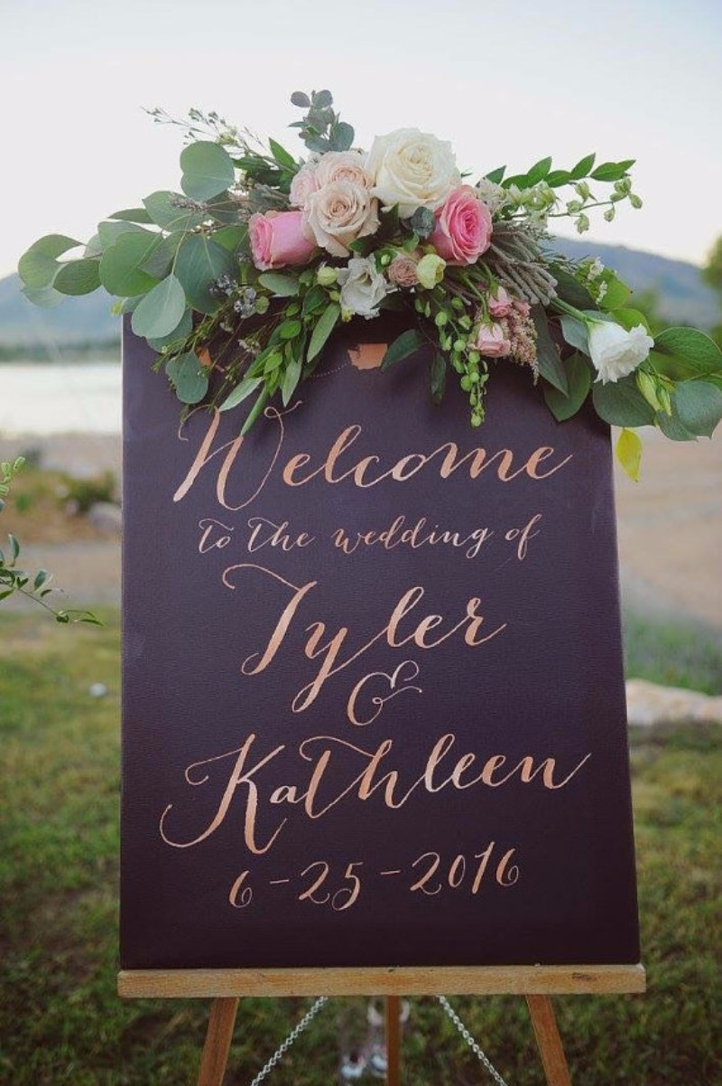 Miss Design Berry's Rose Gold wedding welcome sign is the perfect way to welcome guests to your wedding reception. This wedding welcome
