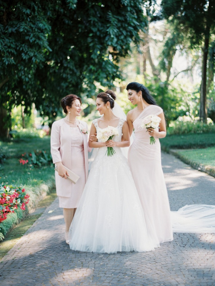 bridesmaid and mother of the bride in blush