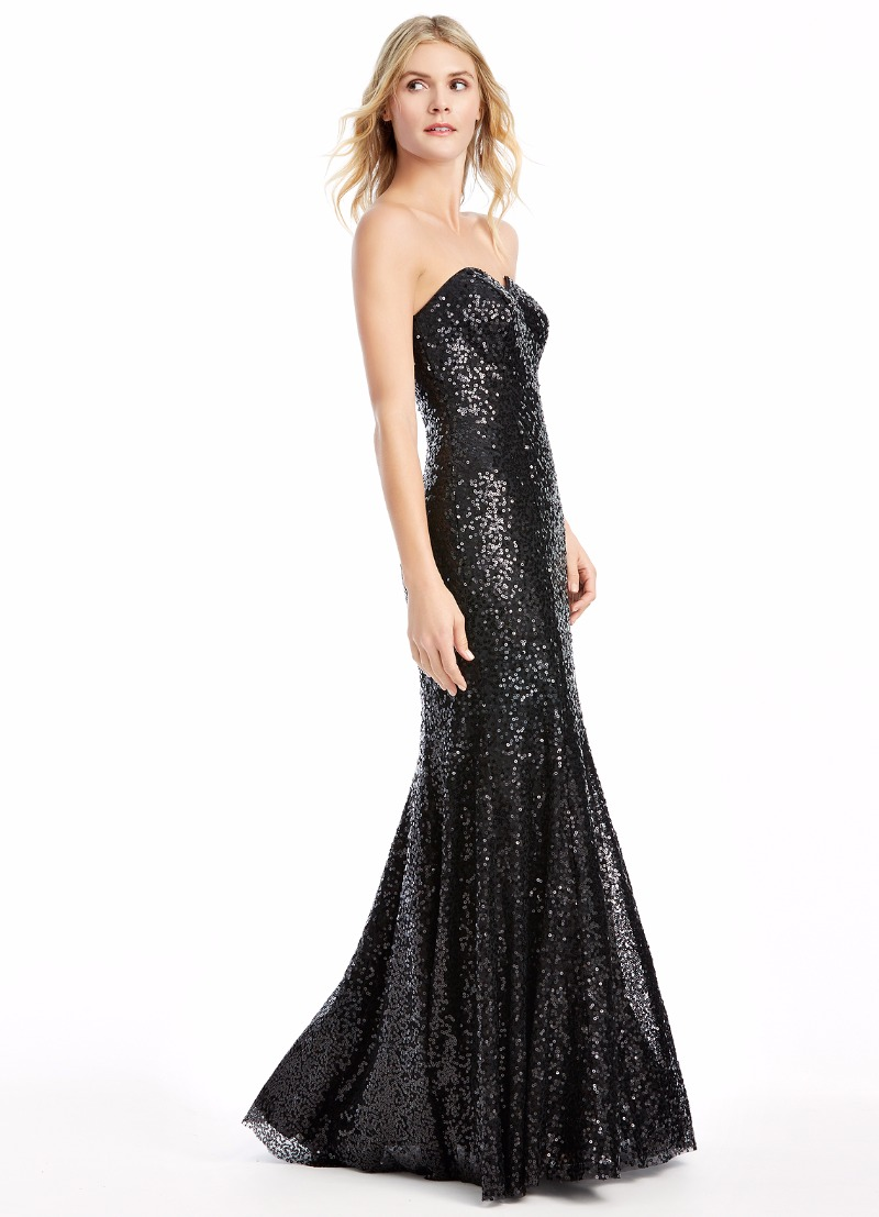 Turn heads in our black Estrella gown ✨