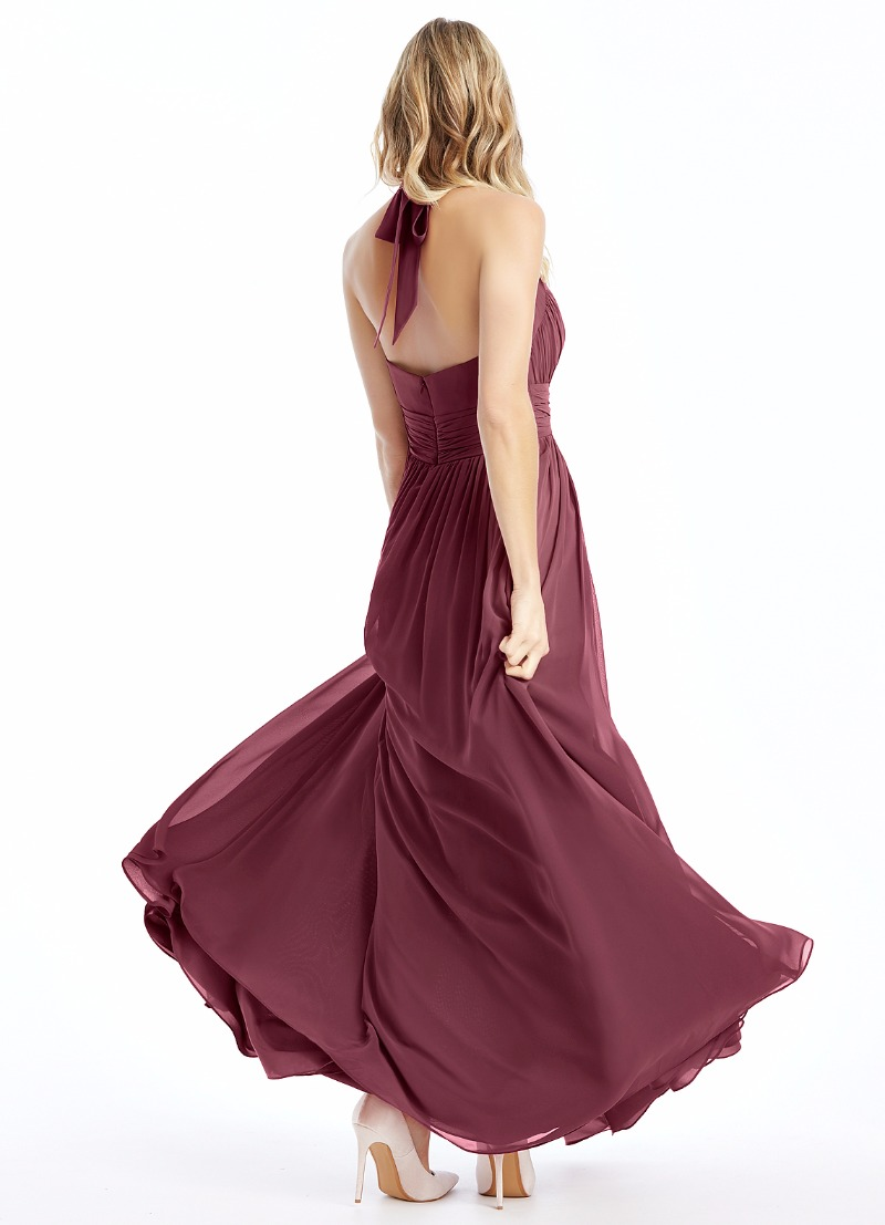 Dance the night away in our Veronica gown in mulberry 💕